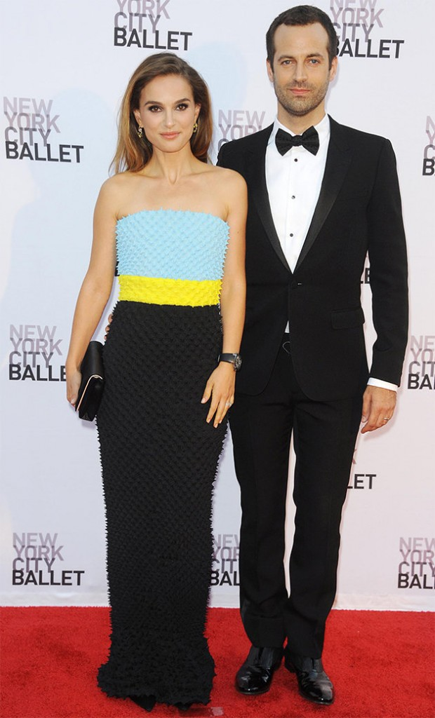 875cd07e-1f9d-4f83-a7f0-f20d8c09a06b_natalie-portman-new-york-ballet-gala-blue-yellow-dress
