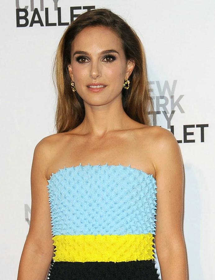 Natalie-Portman-dress-New-York-City-Ballet-2013-Fall-Gala-1