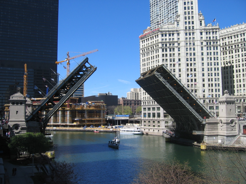 michigan_ave_bridge_missandchic