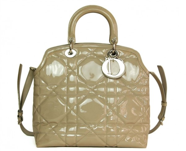 Dior-Panarea-Patent-Beige-Tote-Bag-A-Second-Chance-Resale-600x487