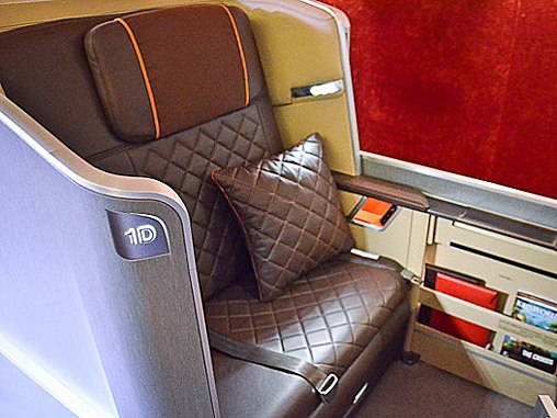 cn_image.size.singapore-airlines-first-class-seats