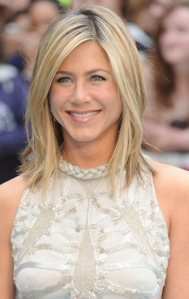 jennifer_aniston_happy_smiling