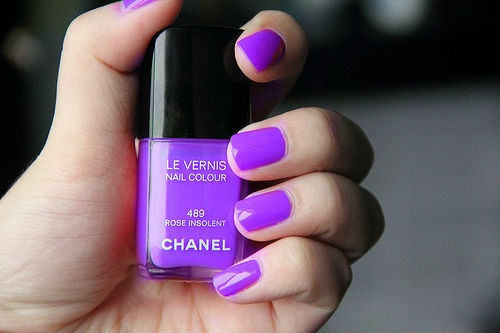 purple_nails_chanel