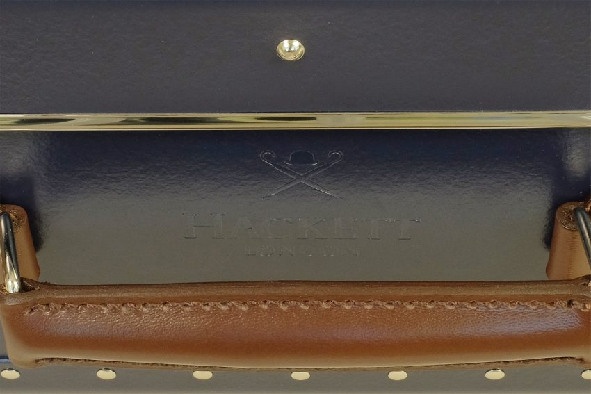21 TC Navy cBrown embossing detail